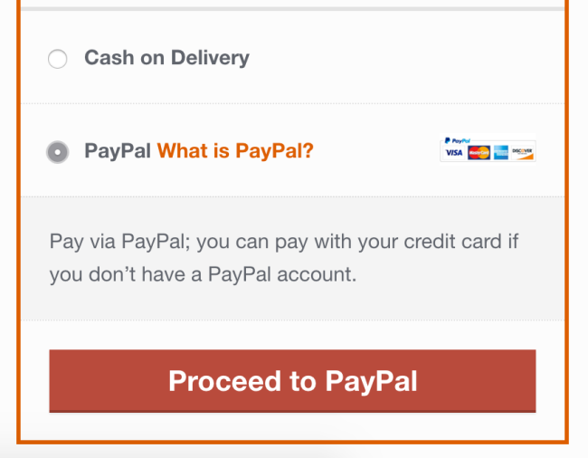 WooCommerce toggles between payment options quickly, and adjusts the button text displayed to match.