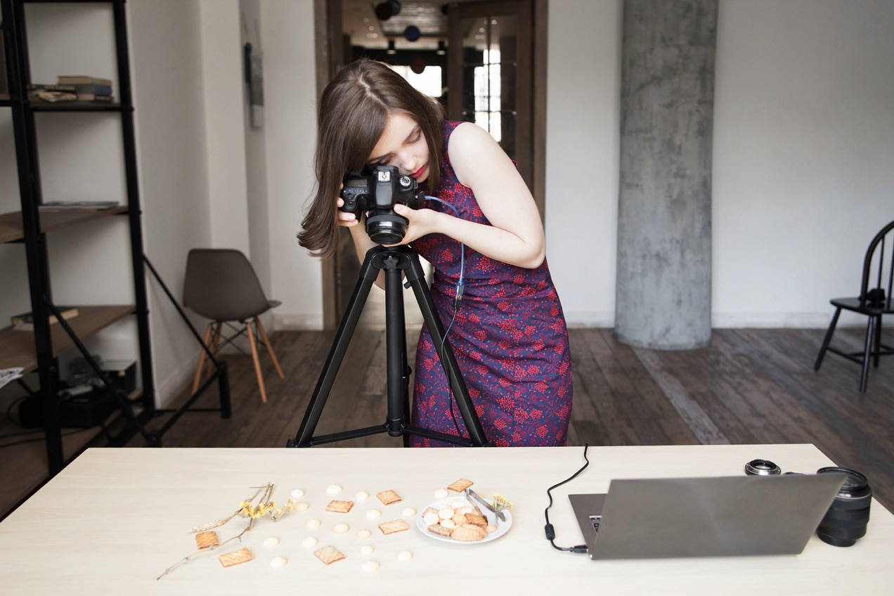 In DIY product photography, you don't need to worry about motion blur or camera shake as long as you're using a tripod